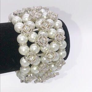 Jewelry - Pearl Stretch Bracelet with Rhinestones Bridal